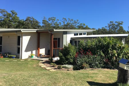 Quiet 3 Bedroom self-contained, bushland setting - Bunya - 独立屋