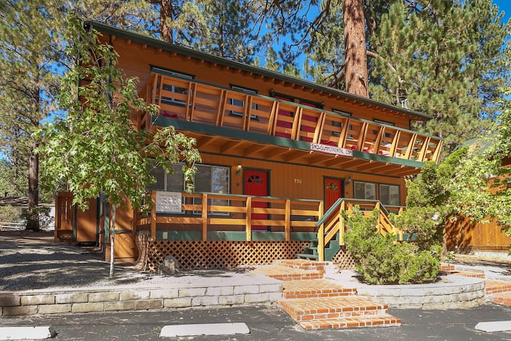 Magical duplex 140 steps from slopes (Unit A) - Big Bear Lake