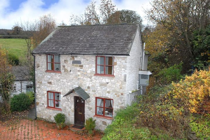 Pump Cottage, Whitford - Whitford - Hus