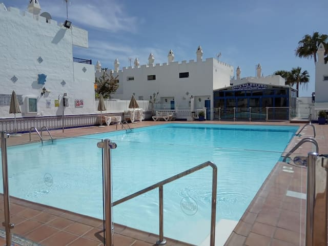 Single room in bungalow with pool maspalomas