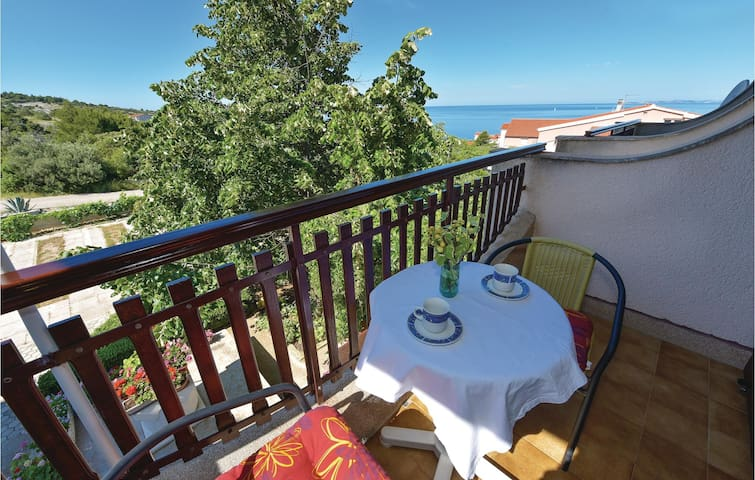 Holiday apartment with 1 room on 25 m² in Primosten Burnji