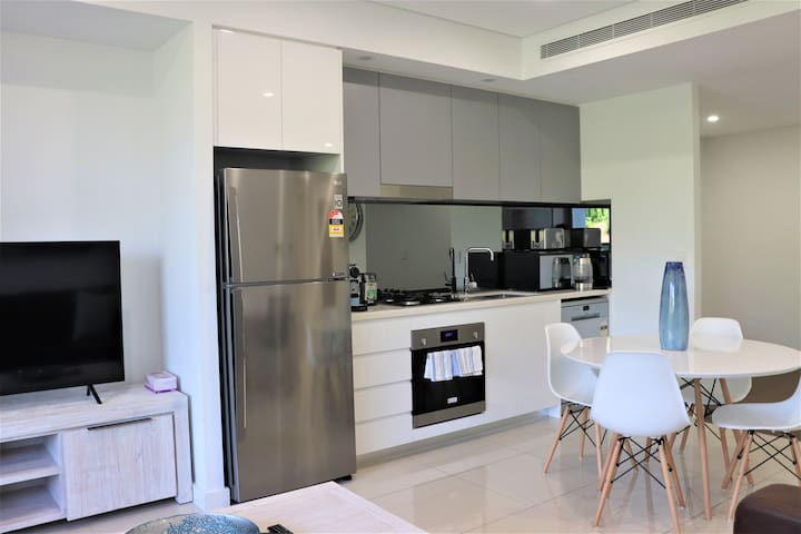 Private Room  in 3 bed in Parramatta, Sydney