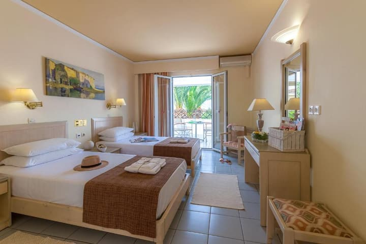 Standard Twin Room | Malia Dedalos Hotel