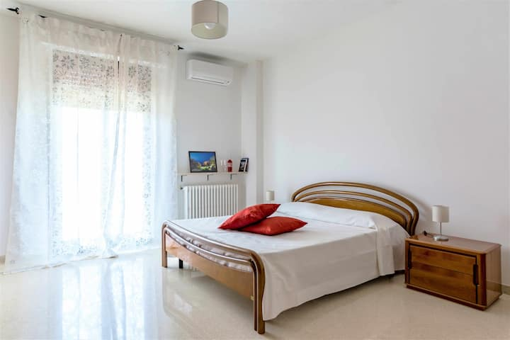 WePuglia-App.to Lapilli e Coralli, 400m from downtown & city beach,A/C,WiFi
