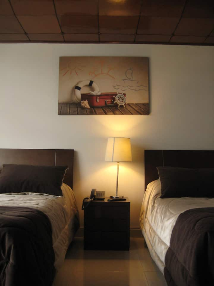 Confortable Rooms!!!! Excellent Location!!!!