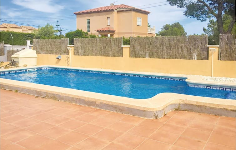 Holiday cottage with 4 bedrooms on 100 m² in L'Ametlla de Mar