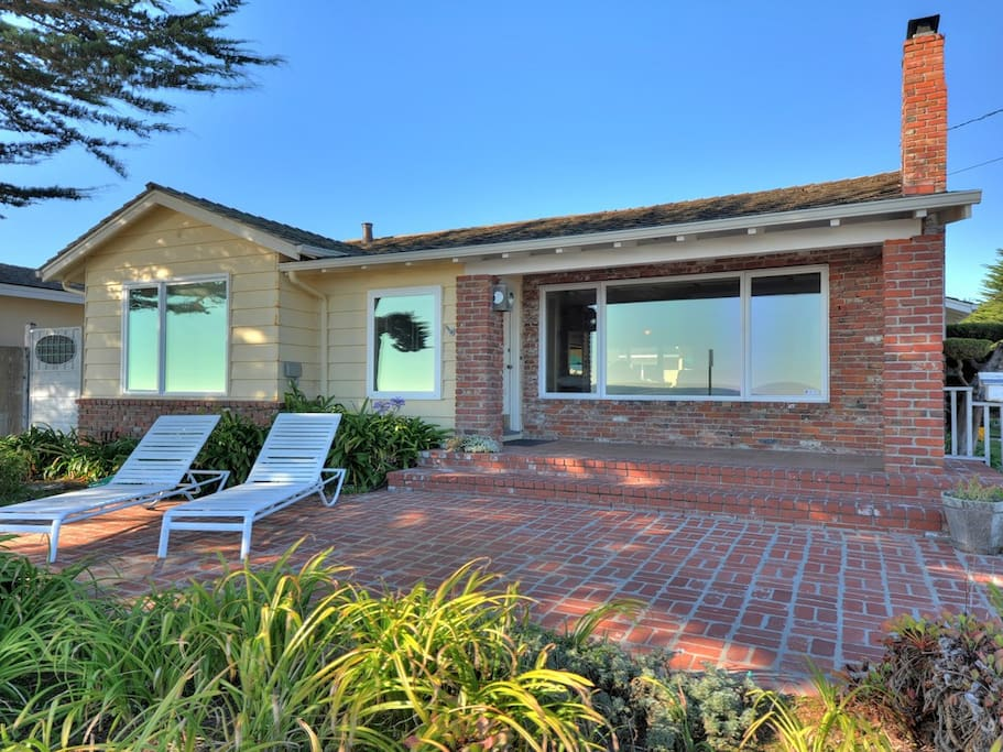 3br-2ba single story house on West Cliff Drive in Santa Cruz