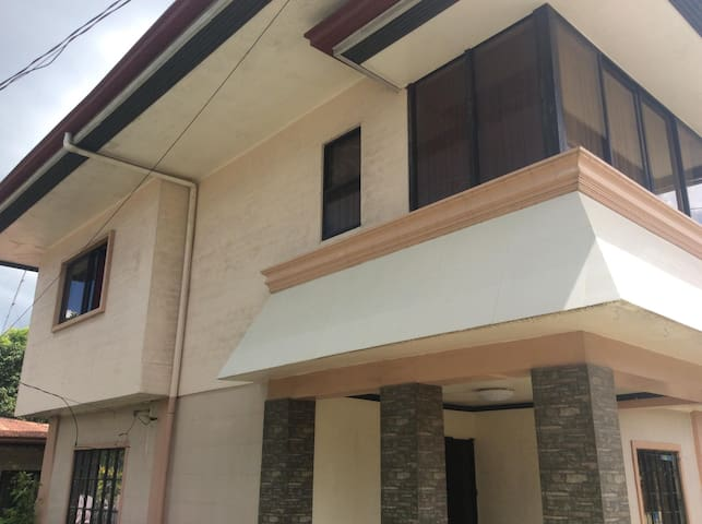 PALOMO Transient House (Free Wifi)