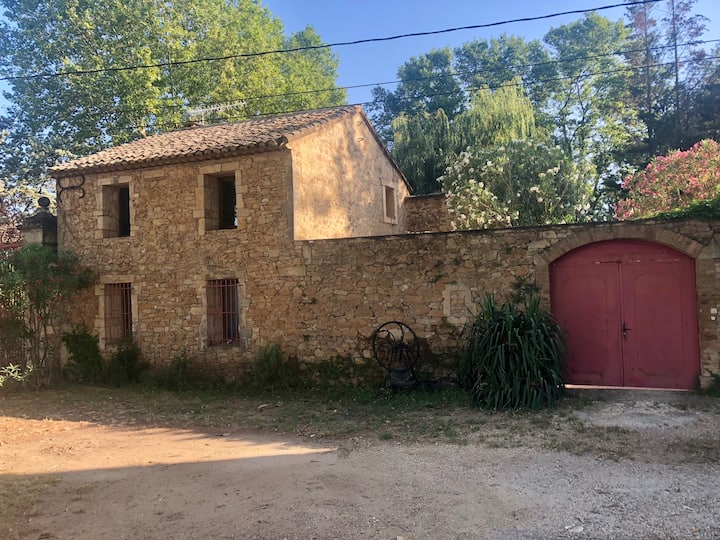 Maison avec piscine pour 6p entre Avignon et Uzès