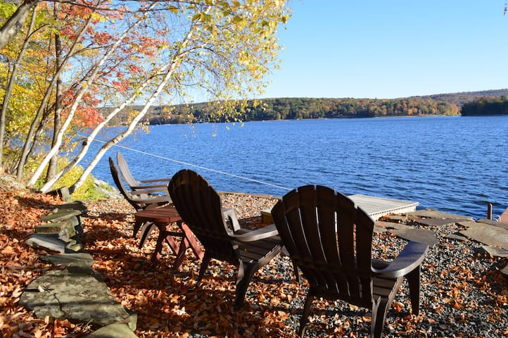 Lakefront Escape Lake Wallenpaupack - Lakeville - Rumah
