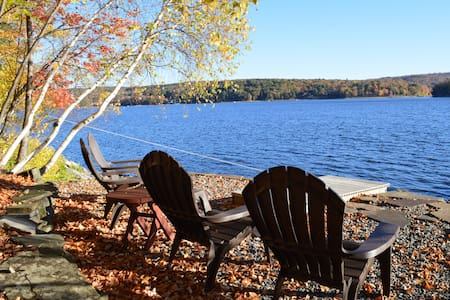 Lakefront Escape Lake Wallenpaupack - Lakeville - Huis