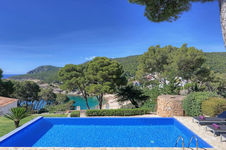 BLAUVERD-villa with sea views and private pool-Tamariu-Costa Brava