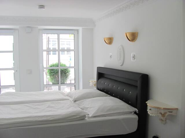 Double room-Deluxe-Private Bathroom-Courtyard view-   Number  2