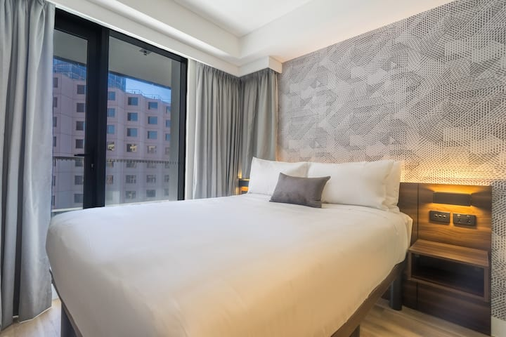 New Hotel Rooms with Balcony at Darling Harbour