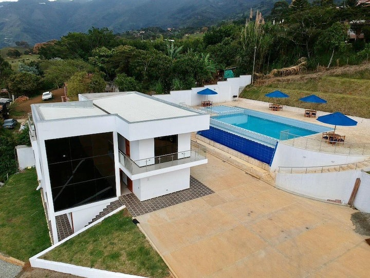 Nature View Luxury House/Pool & Jacuzzi By N.G.