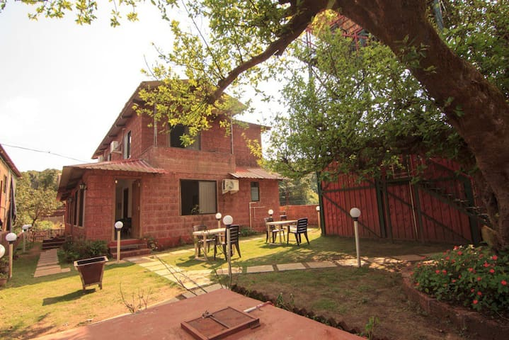 4BHK fully furnished farmhouse Villa - Panchgani - Villa