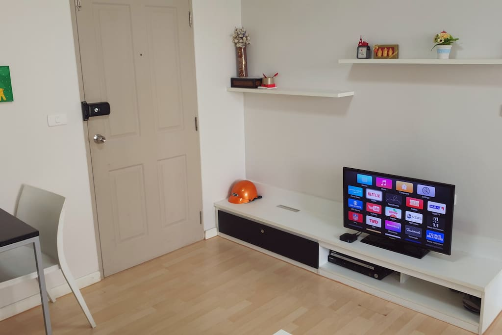 LED TV with Apple TV, Free Wifi