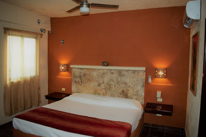 Cancun Airport Studio with King size bed