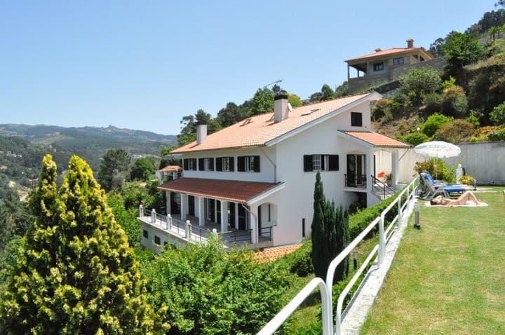 Douro River White House