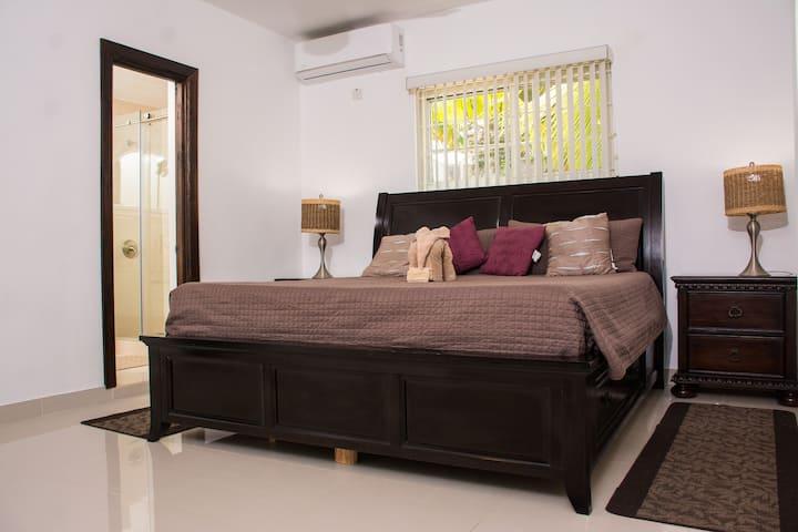 GC Villa | Deluxe Suite King 1