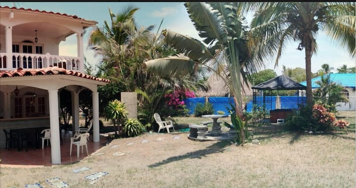 Beach house for rent in Punta Chame