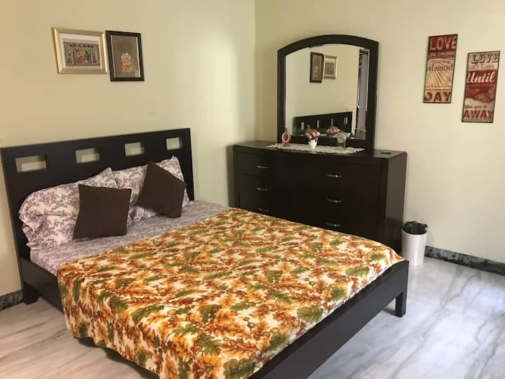 Private Room with Secured Entrance near DLF-IT hub