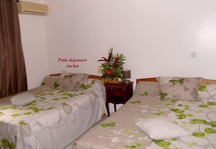 Bed&Breakfast in Nuku Hiva  Taiohae,