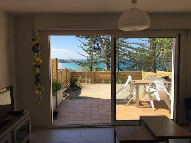55 m2 : Jardin et vue mer