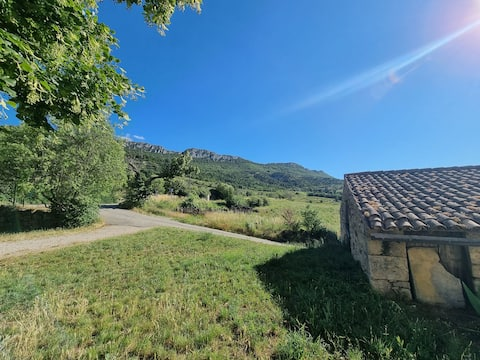 Maison avec jardin dans les baronnies, en Drôme provençale