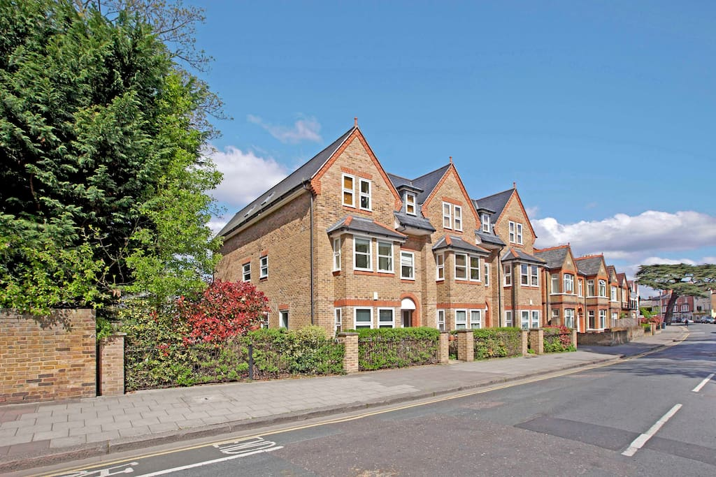 Superb Ground floor Apartment in Central Windsor