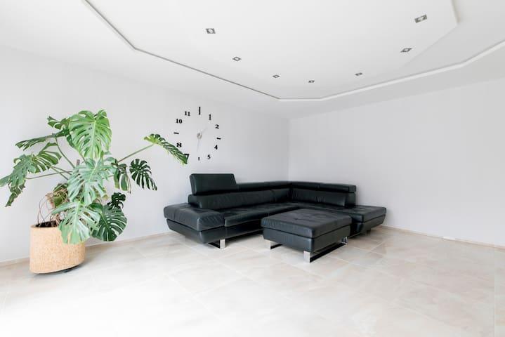 ID 6262 4-Zimmer-Apartment wifi - Sarstedt - Wohnung
