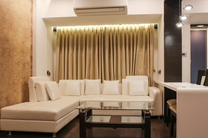 Tastefully Designed New Apartment - Navi Mumbai - Apartment