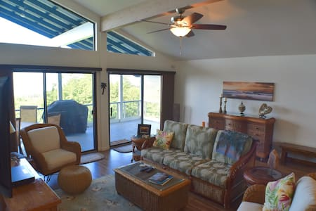 Great monthly rates! Myra's Blue Hawaii House