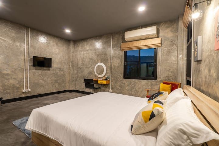 Take your time hostel At Doi Suthep Superior room