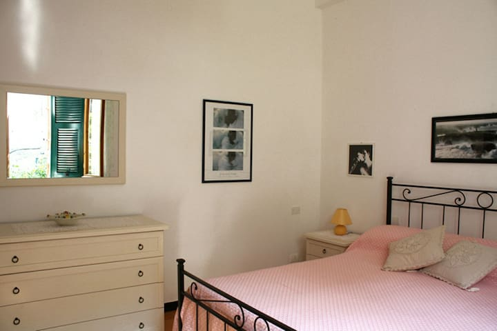 Quiet Cozy Central Apartment WIFI - Monterosso al Mare - Apartamento