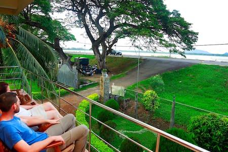 Tissamaharama Lake View Hotel - Tissamaharama - Bed & Breakfast