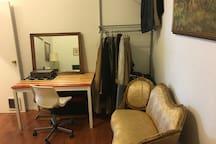 Private Bedroom in Trendy Williamsburg Loft