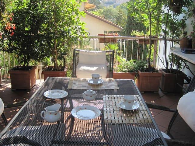 chambre avec vue sur la vieille ville - Perugia - Apartment