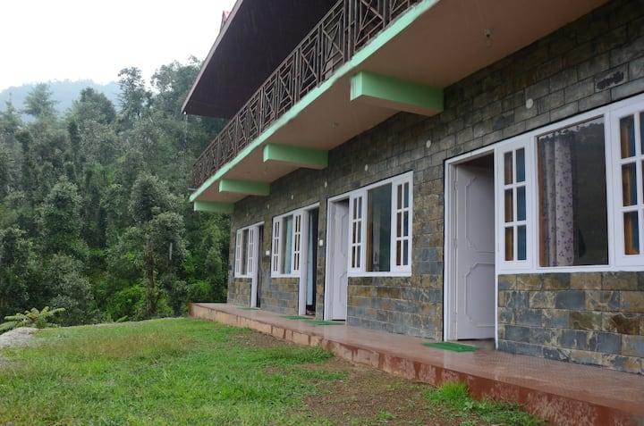 Vanvaas Home stay (12k.m away from Shimla)