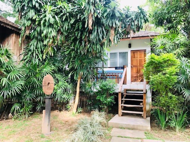 Famliy room with garden view  园景家庭房