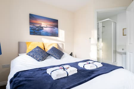 Luxurious 2 Bed Apartment 🤩NEC/Airport/Solihull®️