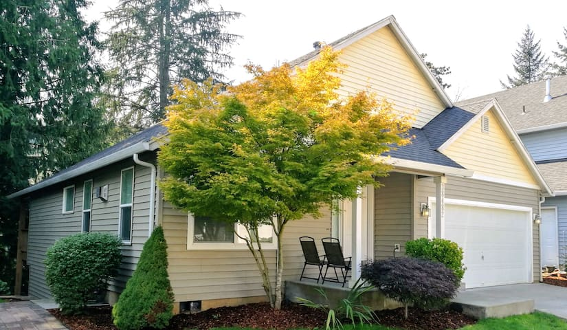 3 bedrooms, 2.5 bath, newly remodel, luxurious!