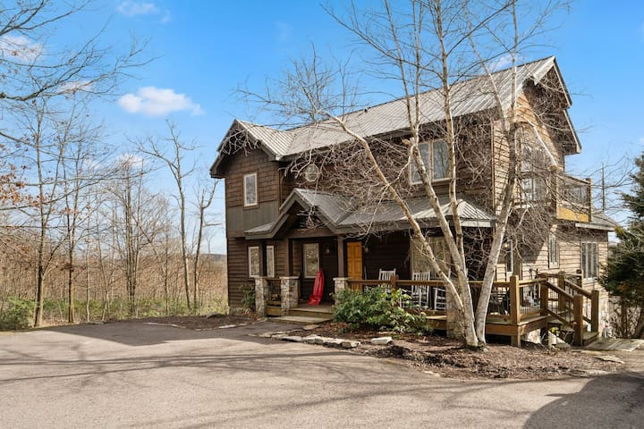Dog friendly lake access home with hot tub, fire pit and community amenities!