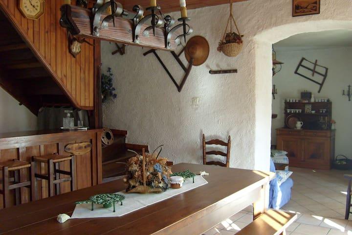 Gîte Melba, 4 à 6 personnes - Sacoué - Casa