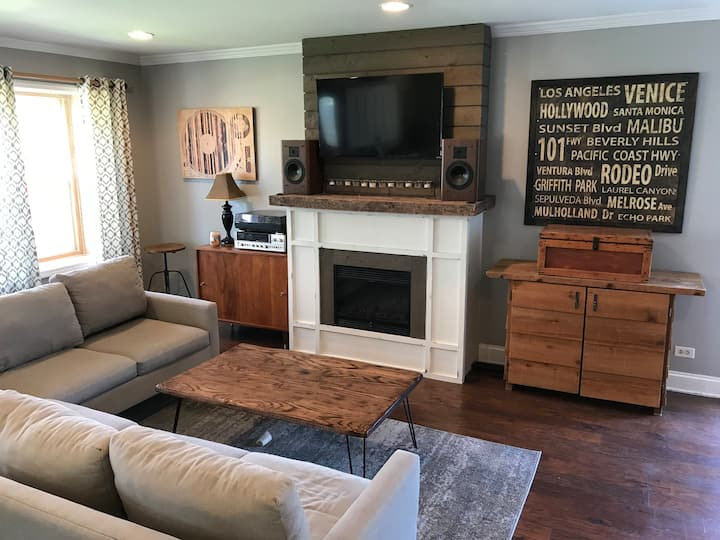 Near downtown Wheaton no charge additional guests