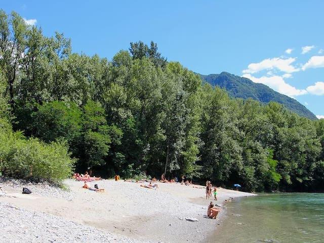 Spiaggetta di Arbedo