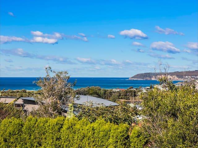 Refurbished Small Ocean Beach Pad stunning views