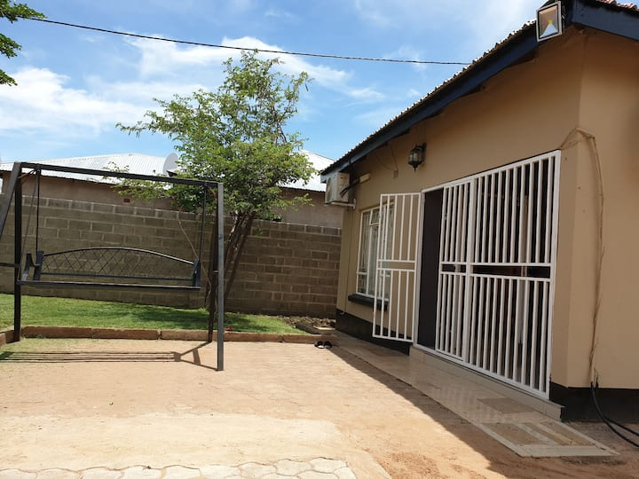 One bedroomed house, close to the Airport and town