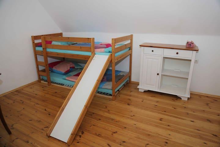3. Kinderzimmer