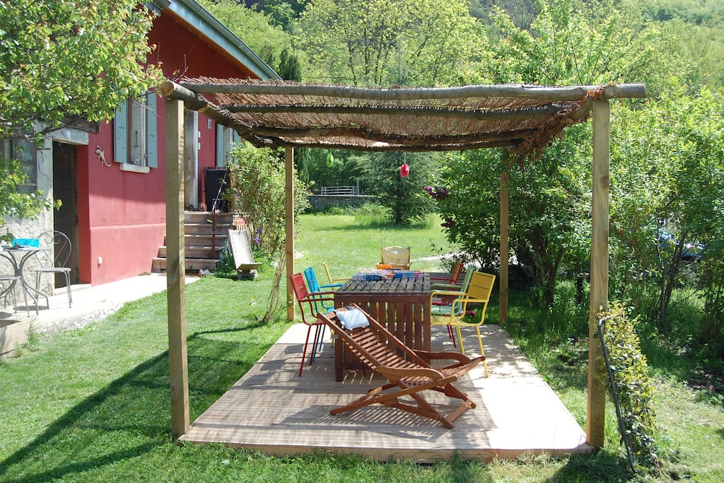 Pergola, barbecue.